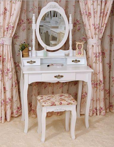 Toaletka kosmetyczna z lustrem i taboretem Gold