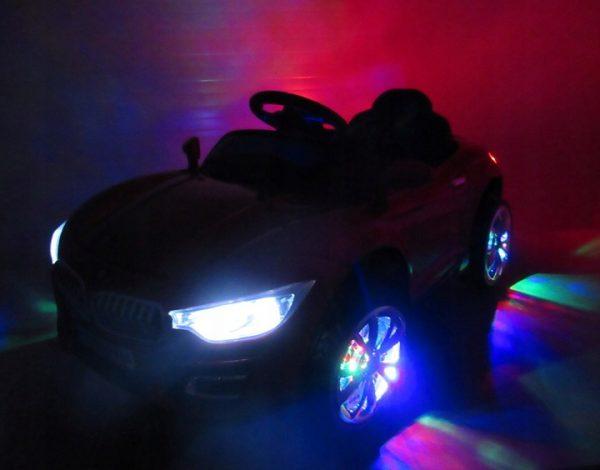 Obrazek produktu Cabrio B16 niebieski lakierowany, autko na akumulator, funkcja bujania
